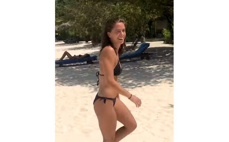Sideboobs Irene Delroy nude (39 fotos) Sideboobs, Facebook, panties