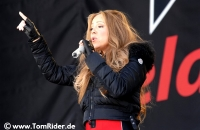 Mariah Carey drueckt sich vorm Windeln wechseln