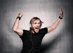 David Guetta gewinnt MTV EMA und seinen ersten AMA