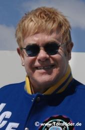 Elton John muss Deutschland-Konzert absagen