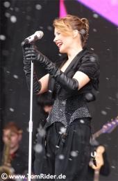 Kylie Minogue: stolz auf das Video zu 'Into The Blue'