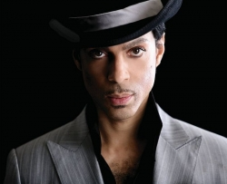 Prince ist der weltweit meist-gegoogelte Verstorbene 2016