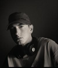 Eminem produziert Komoedie