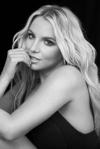Britney Spears: Verrückter Fan stürmt Bühne