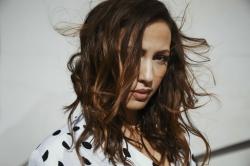Deutsche Single-Charts: Namika neu auf Platz 1