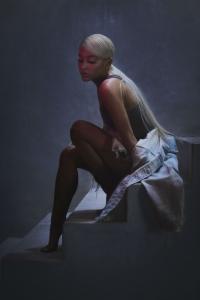 Ariana Grande schwoert auf die Hilfe durch Therapie