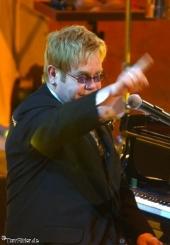 Elton John und das olympische Konzert