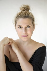 Jeanette Biedermann: Gruesse aus dem Studio