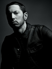 Eminem streitet sich mit…?