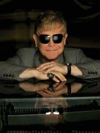 Elton John musste Laufen wieder lernen