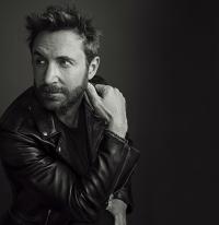 David Guetta will Raye mehr in den Vordergrund heben