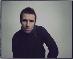 Liam Gallagher heizt seinen Fans ein
