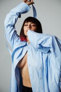 Charli XCX: 'Ich habe nicht die Aufmerksamkeitsspanne fuer Alben'