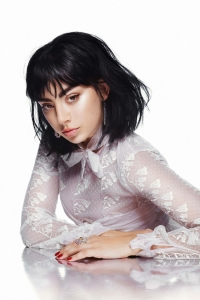 Charli XCX zwischen Entspannung und unfertigem Album