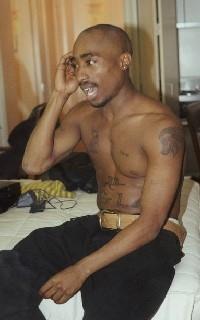 Tupac: Haben seine Kumpels seine Asche geraucht?