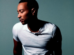 John Legend genießt Lockdown mit Familie