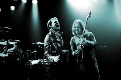 Musikwelt wuerdigt den verstorbenen Eddie Van Halen