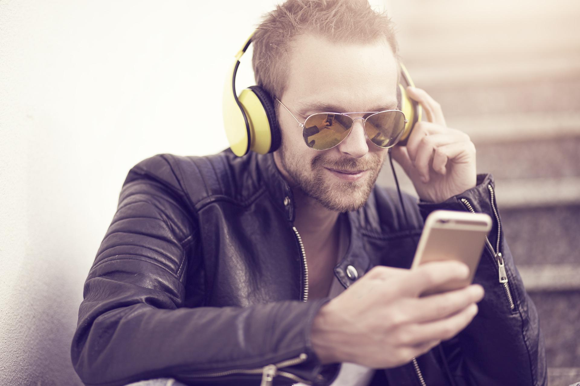 139 Milliarden Musik-Streams in 2020