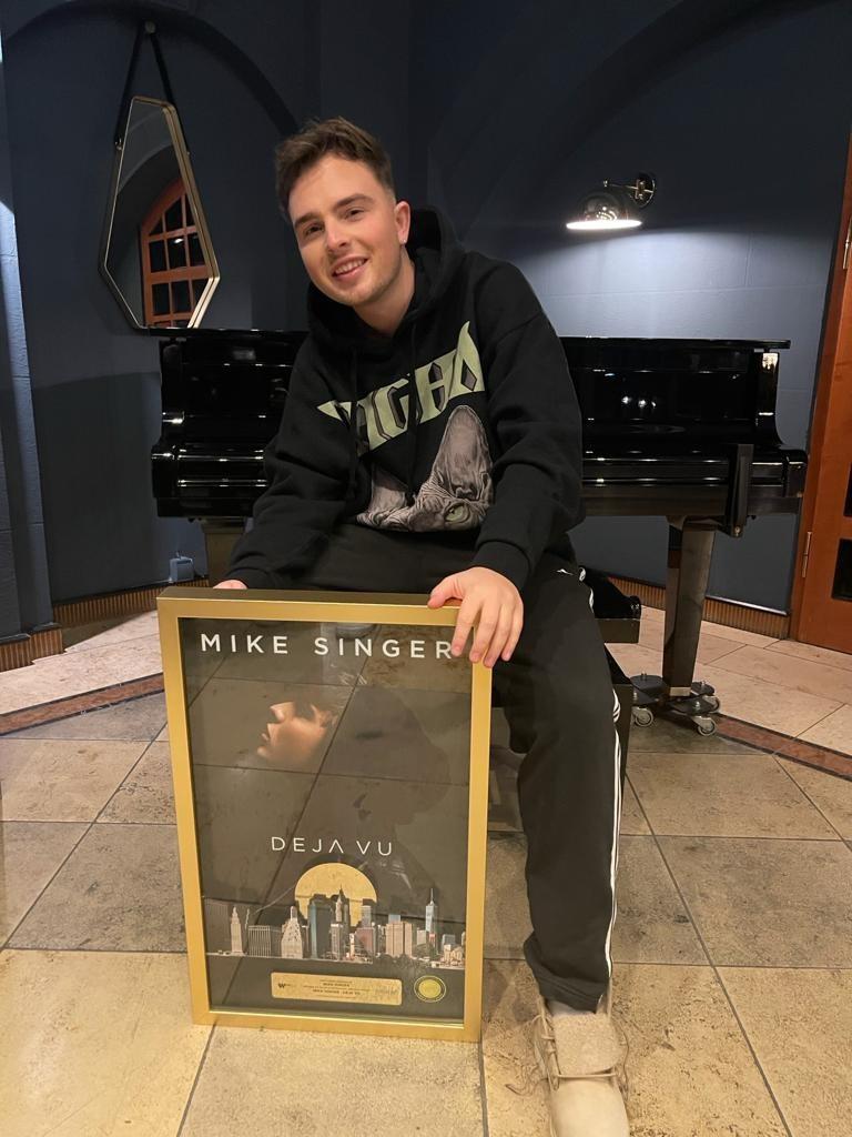 Mike Singer: Gold zum 21. Geburtstag