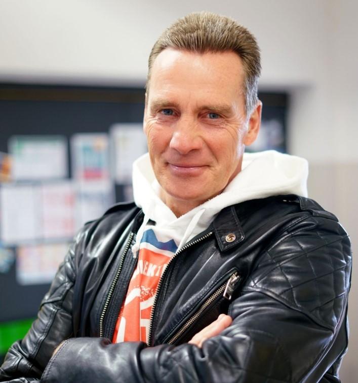 Entertainer und Reality-Urgestein Juergen Milski bei Krass Schule zu Gast!